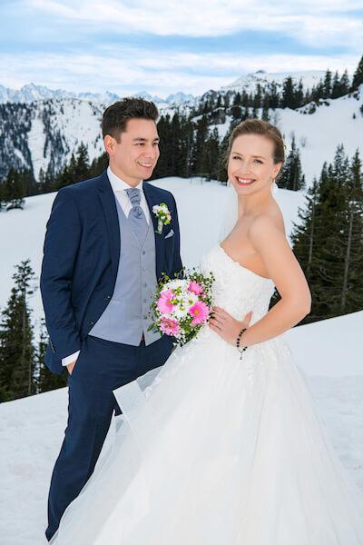 Almhochzeit-Tirol-Kitzbühel-Fotograf-Brautpaar