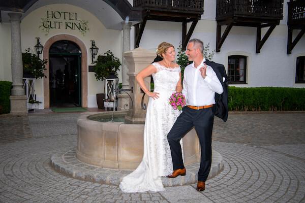 Fotograf-Hochzeit-Chieming-Gut-Ising-Brautpaar
