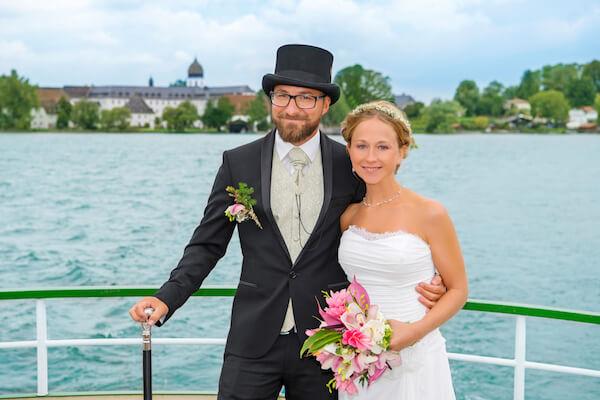 Fotograf-Hochzeit-Frauenchiemsee-Fraueninsel-Brautpaar-Hochzeit