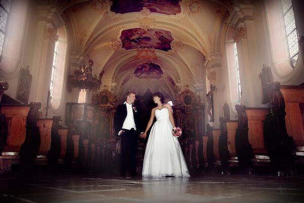 Fotoshooting-Rosenheim-Fotograf-Hochzeit-Irschenberg-Wilparting-Kirche