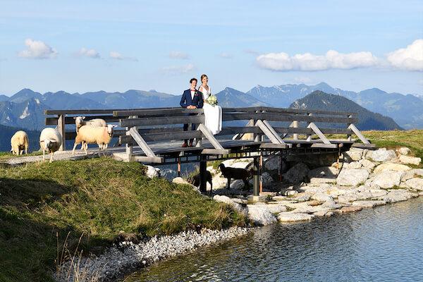 Hochzeit-Speckalm-Brautpaarshooting-Bayrischzell