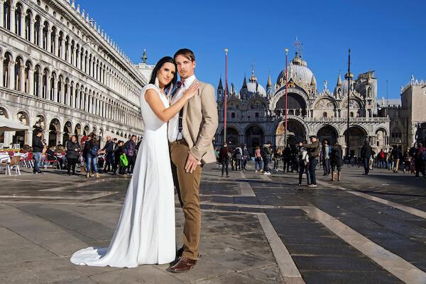 Venedig-Fotograf-Hochzeit-Markusplatz-Brautpaar