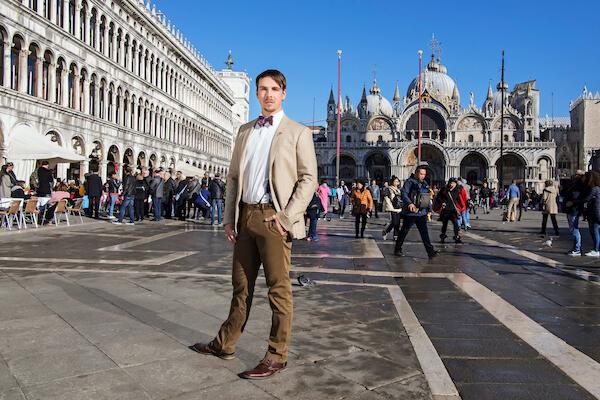 Venedig-Hochzeit-Fotograf-Brautpaar-Markusplatz