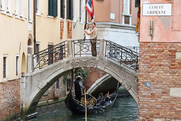 deutscher-Fotograf-Venedig-Hochzeit-Shooting-Brautpaar